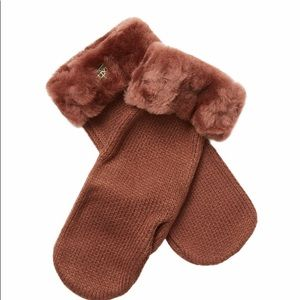 Australia Luxe Collective knit mittens
